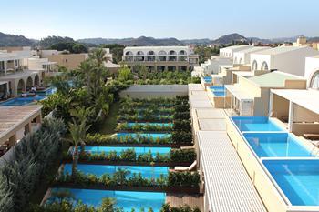 Hotel The Ixian Grand