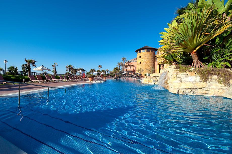Fly-Drive Gran Hotel Elba Estepona - inclusief huurauto in Estepona (Andalusië, Spanje)