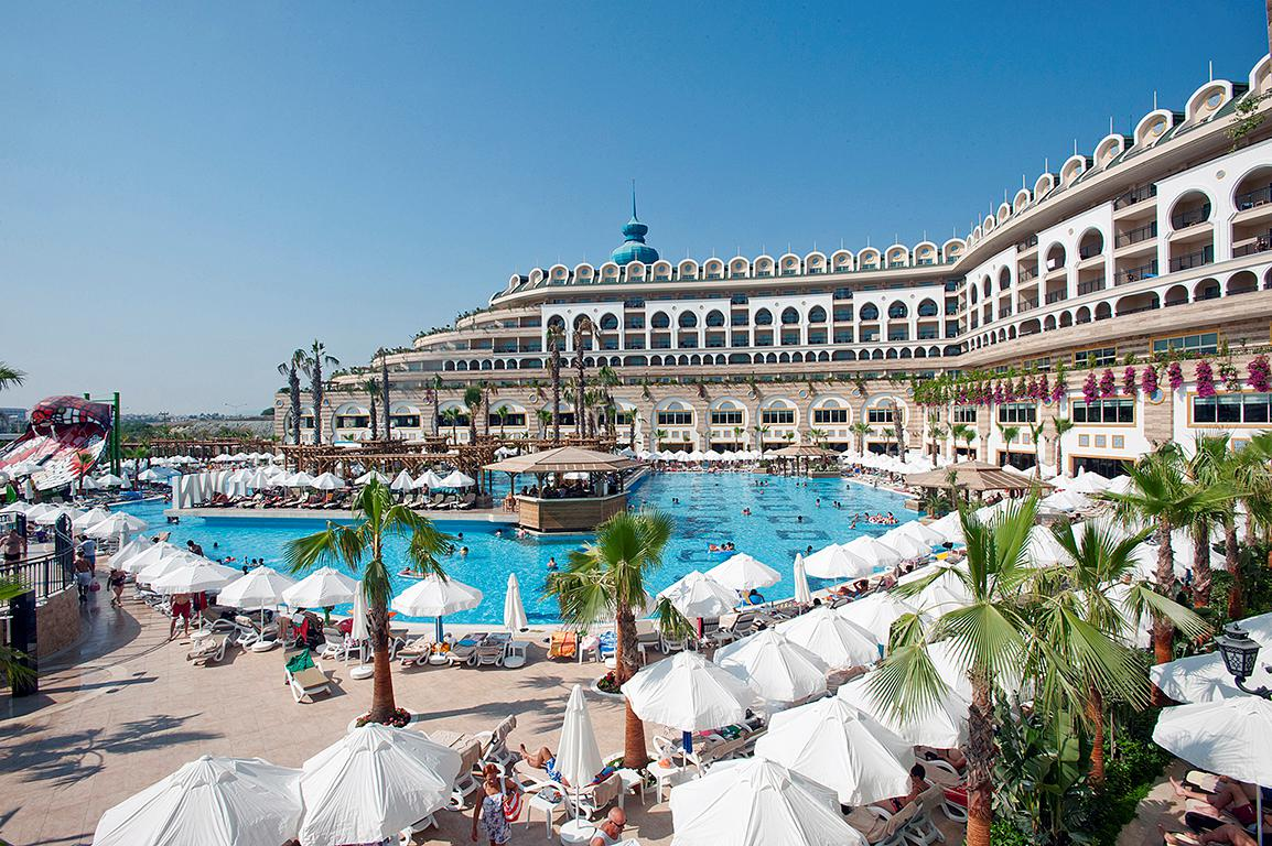 Meer info over Hotel Crystal Sunset Luxury Resort & Spa  bij Sunweb zomer