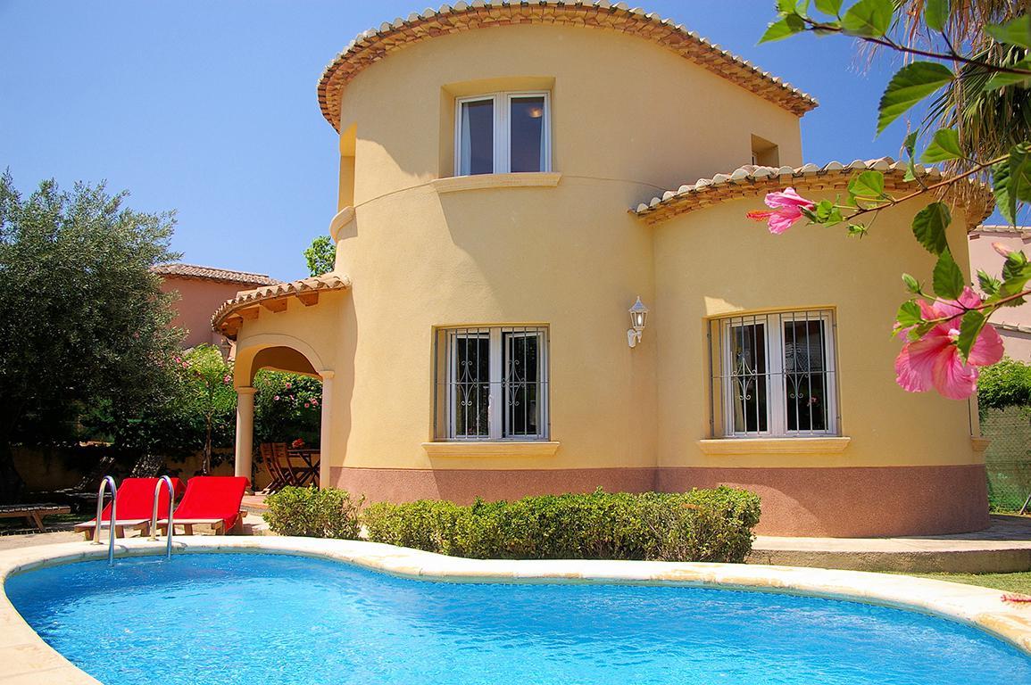 Meer info over Villa's Molins met privézwembad inclusief huurauto  bij Sunweb zomer