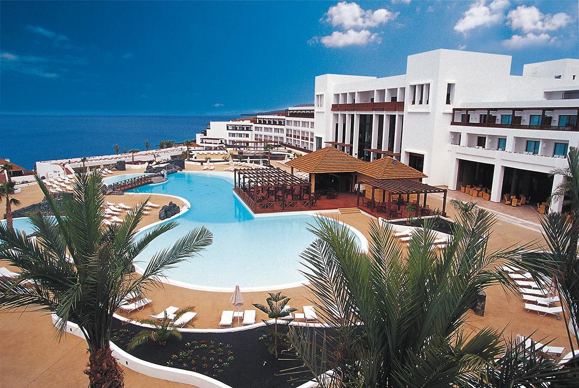 Secrets Lanzarote Resort & Spa - inclusief huurauto