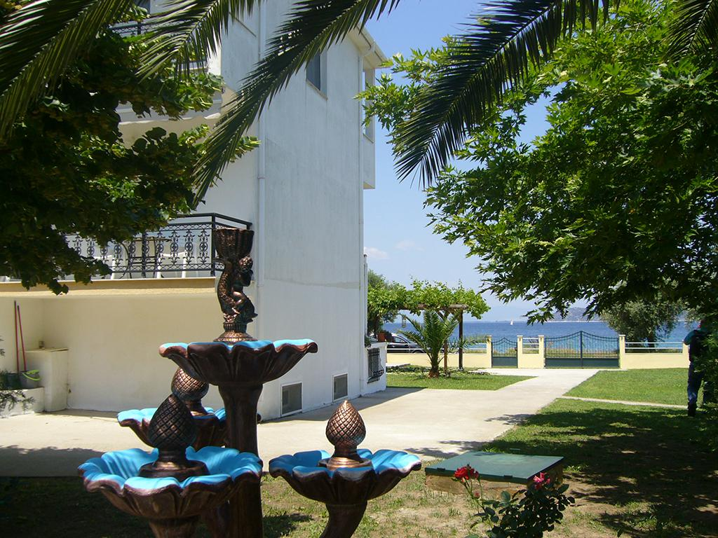 Meer info over Afroditi Studio's  bij Sunweb zomer