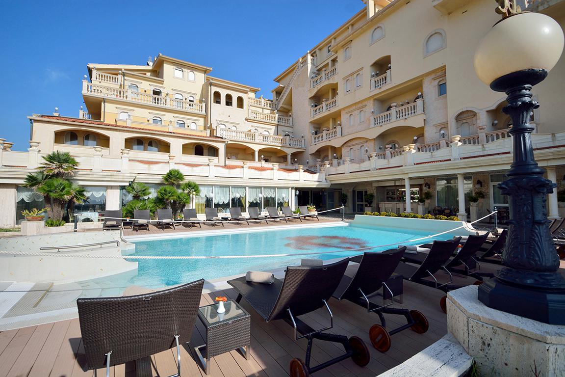 Vakantie Hotel Hellenia Yachting in Giardini - Naxos (Sicilië, Italië)