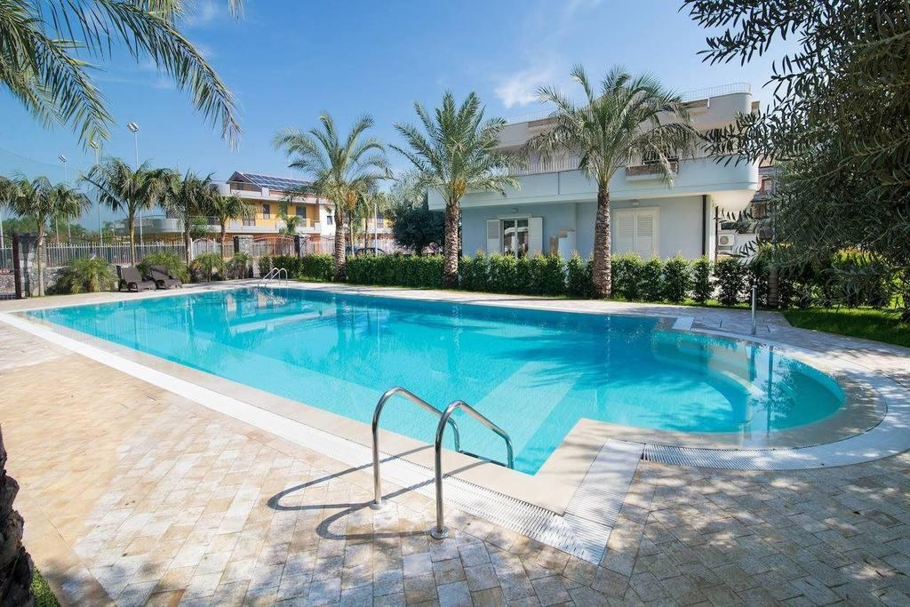 Fly-Drive Villa Galati Resort - inclusief huurauto in Mascali (Sicilië, Italië)