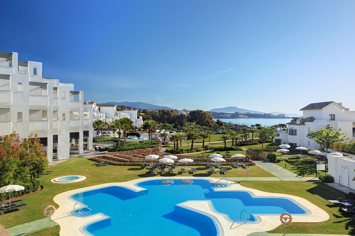 Fly-Drive Hotel Fuerte Estepona - inclusief huurauto in Estepona (Andalusië, Spanje)