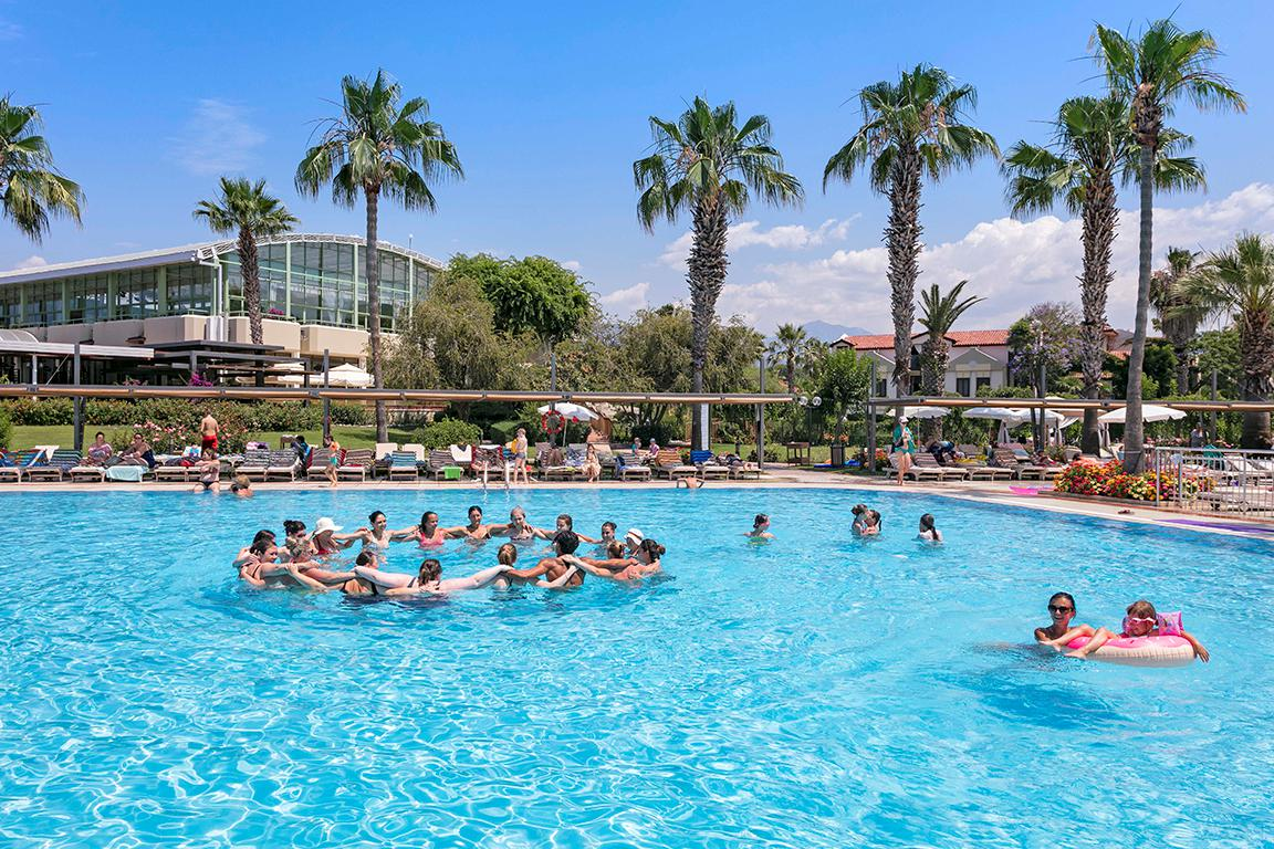 Meer info over Hotel Club Tuana Fethiye  bij Sunweb zomer