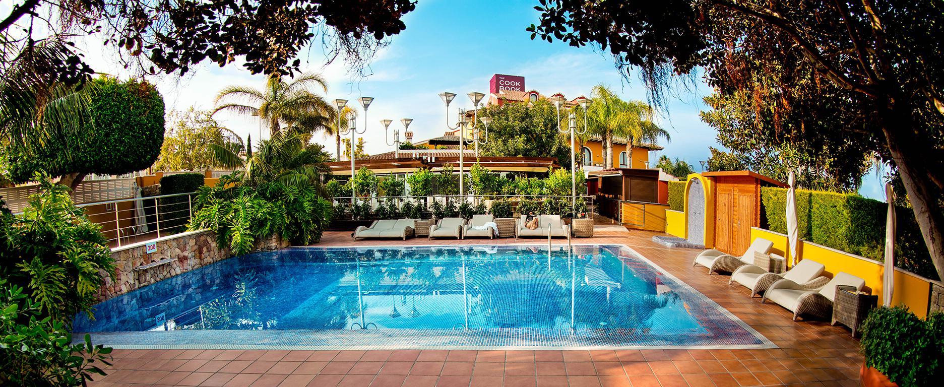 Hotel The Cookbook Gastro Boutique & Spa - inclusief huurauto aanbieding Sunweb