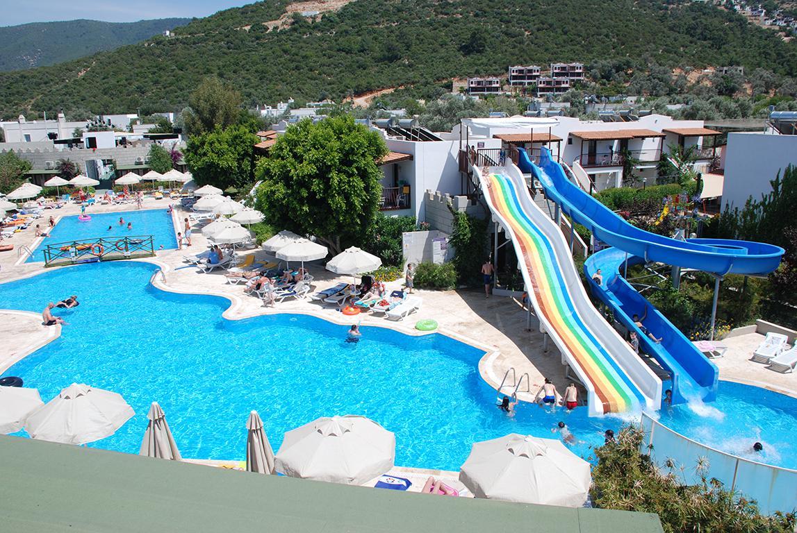 Meer info over Izer Hotel & Beach Club  bij Sunweb zomer