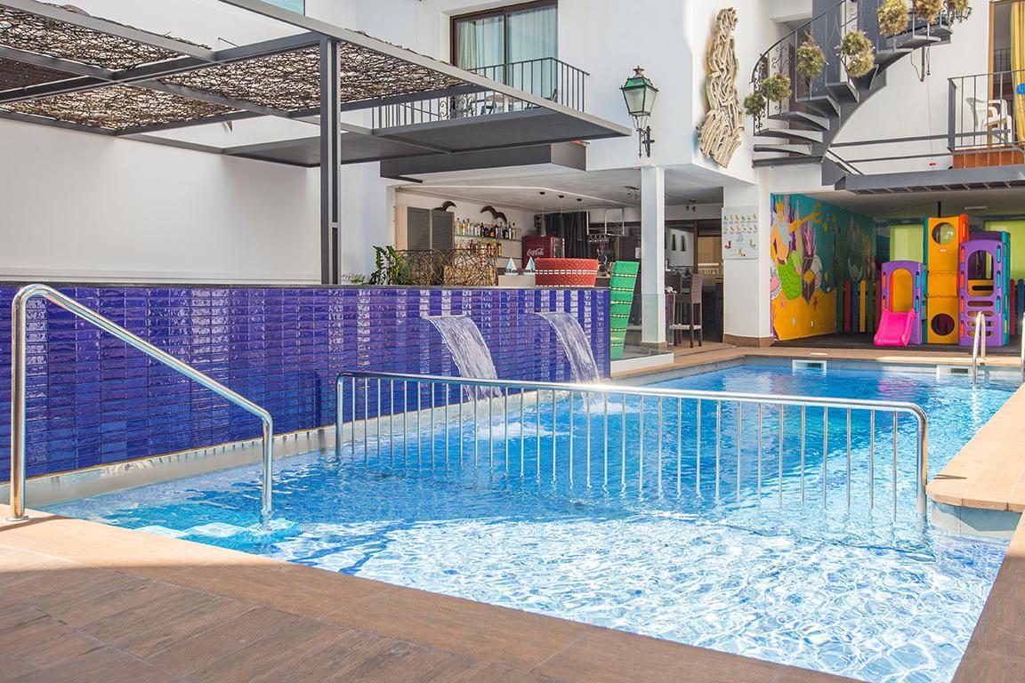 Vakantie Appartementen Neptuno - logies in Calella (Costa Brava, Spanje)