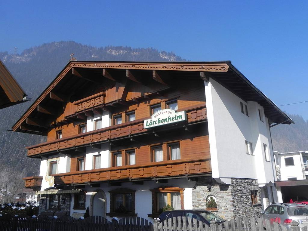 Pension Mayrhofen - Pension Gastenhaus Larchenheim
