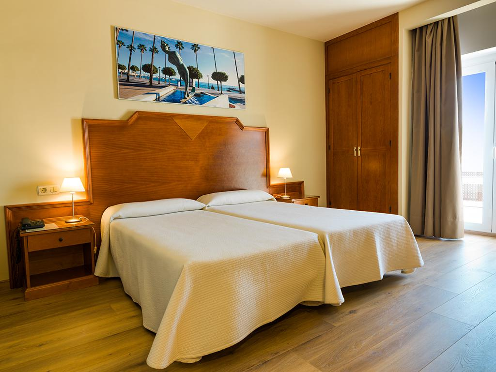 Hotel Monarque El Rodeo reviews