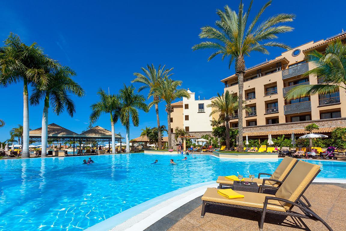 Meer info over Hotel GF Gran Costa Adeje  bij Sunweb zomer