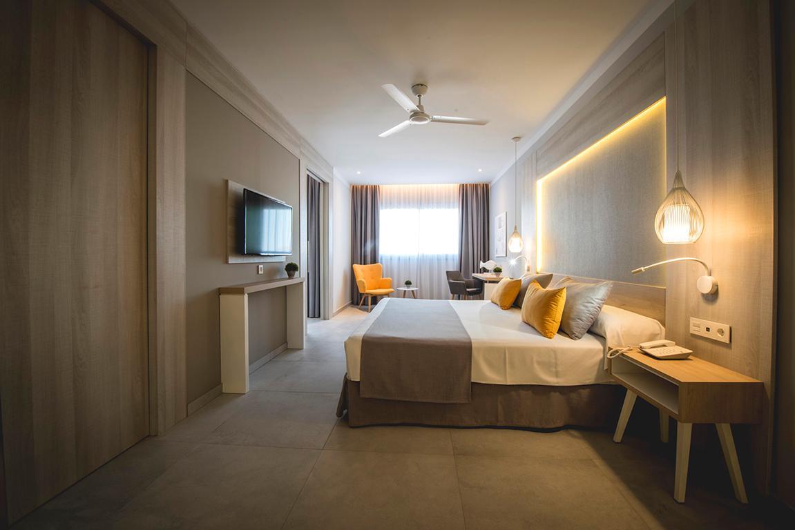 hotel-fantasia-bahia-principe-tenerife-adults-only-area