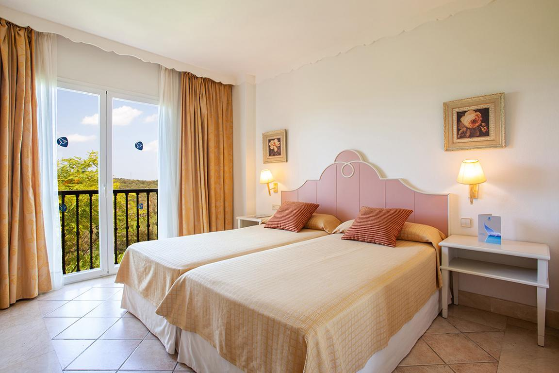 Aparthotel Grupotel Macarella Suites & Spa Menorca Menorca