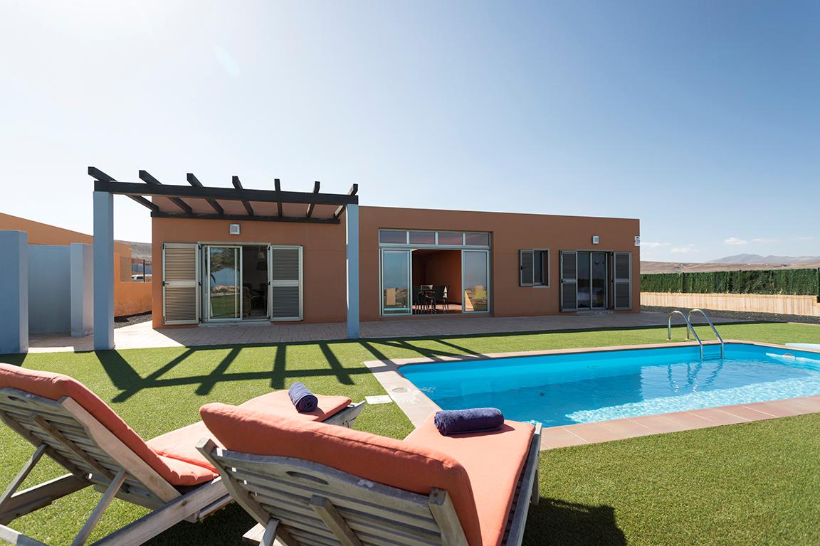 Villa's Caleta Beach & Golf