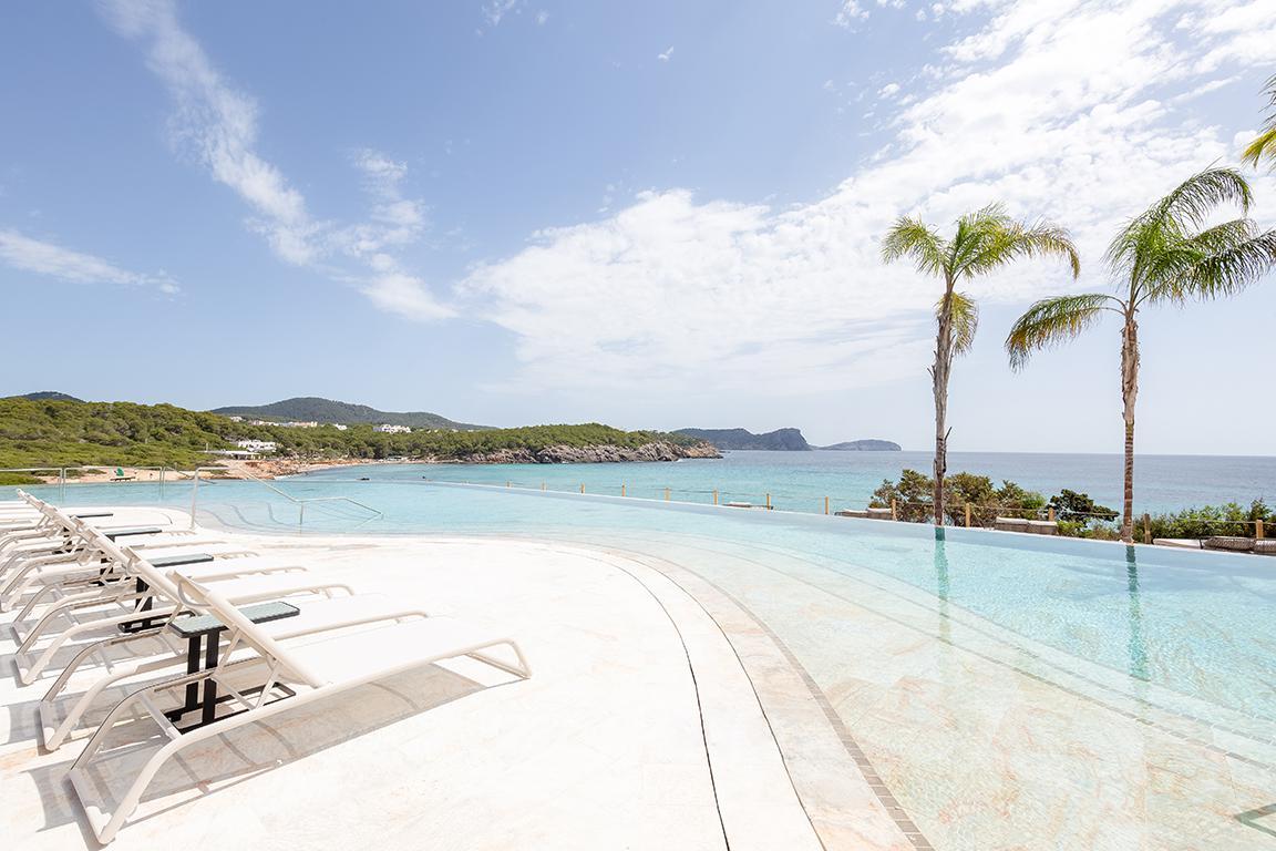 BLESS Hotel Ibiza - logies