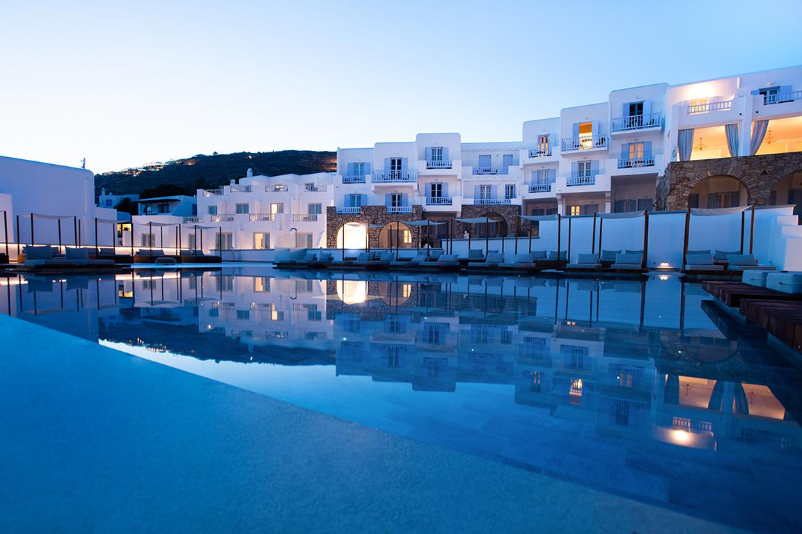 Manoulas Beach Hotel