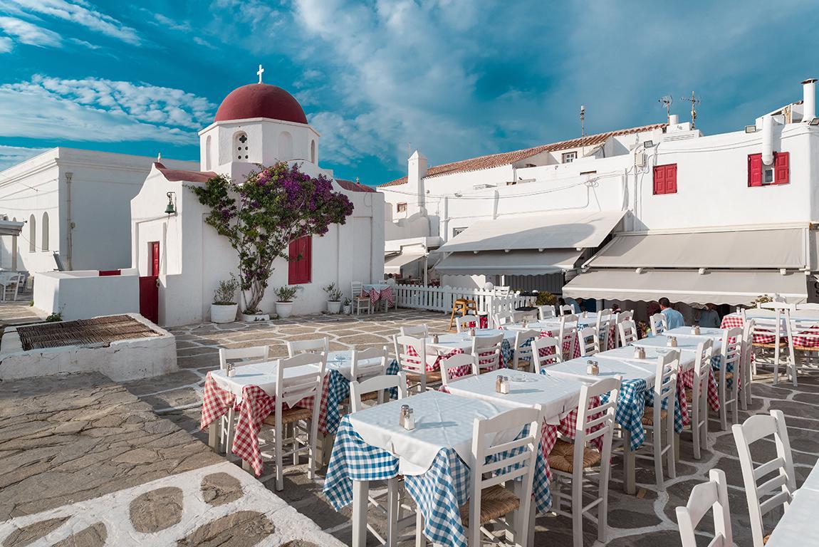 11 dgn Mykonos-Tinos-Syros (2* hotels)