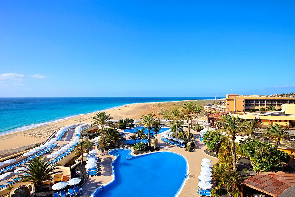 Meer info over Hotel Iberostar Playa Gaviotas  bij Sunweb zomer