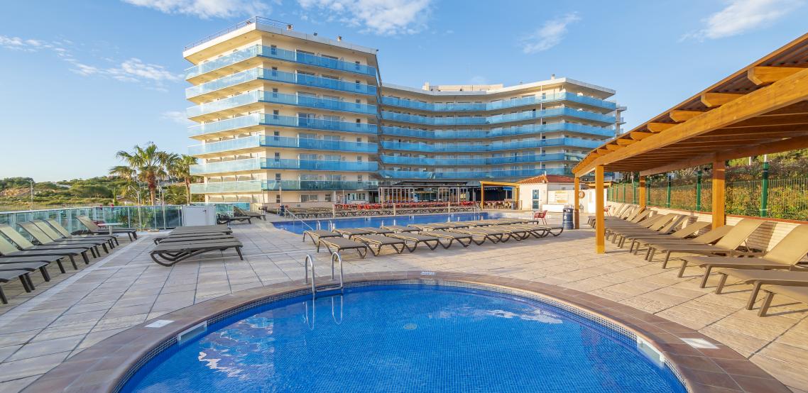 Meer info over Hotel Golden Donaire Beach  bij Sunweb zomer